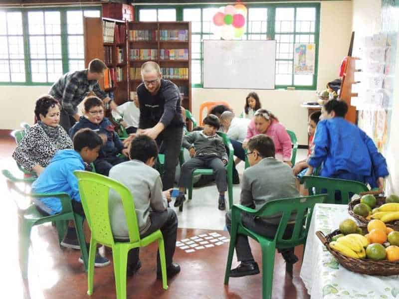 Spanish Students from Learn more than Spanish School School Volunteering in Bogota, Colombia